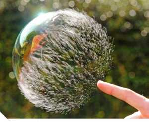 Amazing_photography_of_a_bubble_bursting-s1024x840-395424